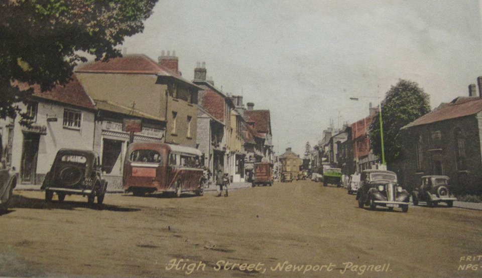 Newport Pagnell High Street - 1950